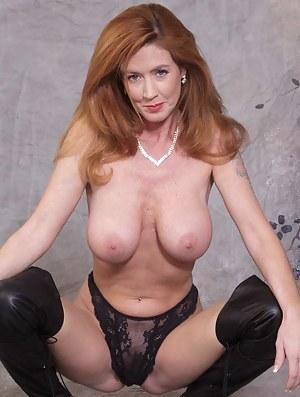 Mom hot naked Hot Mom